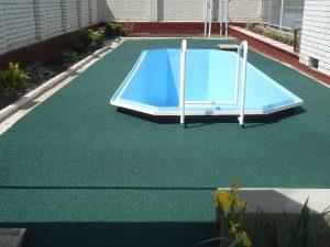 Покрытие вокруг бассейнов