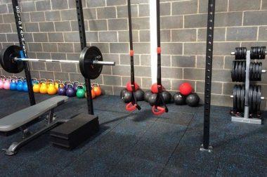 Резиновая плитка для тренажерного зала