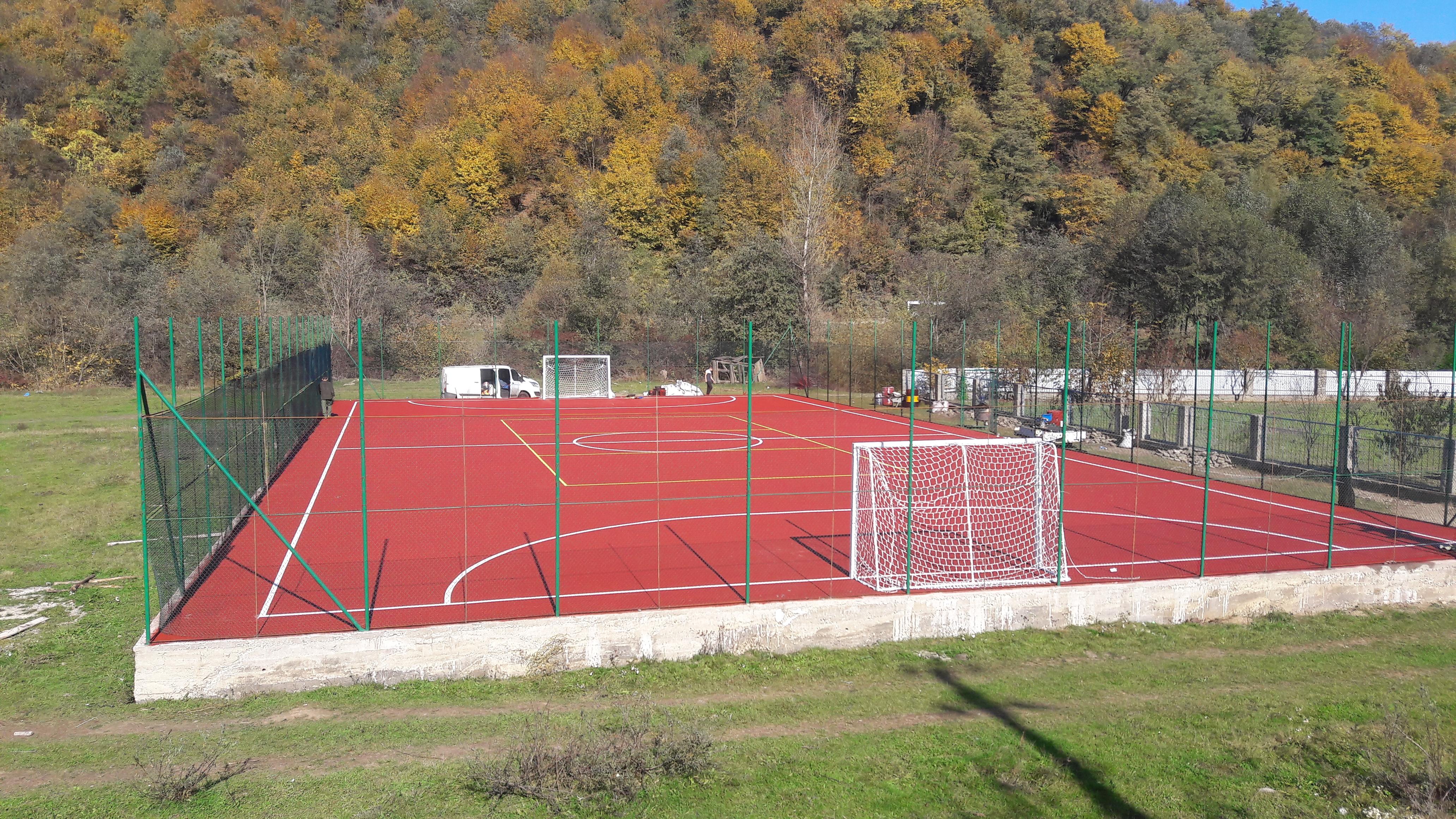 Покрытие футбольного поля  из резиновой крошки