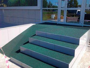 Резиновые покрытия для лестниц